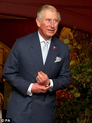 prince_of_wales_during_a_pre_dinner_reception_of_the_people_-m-7_1485611506585